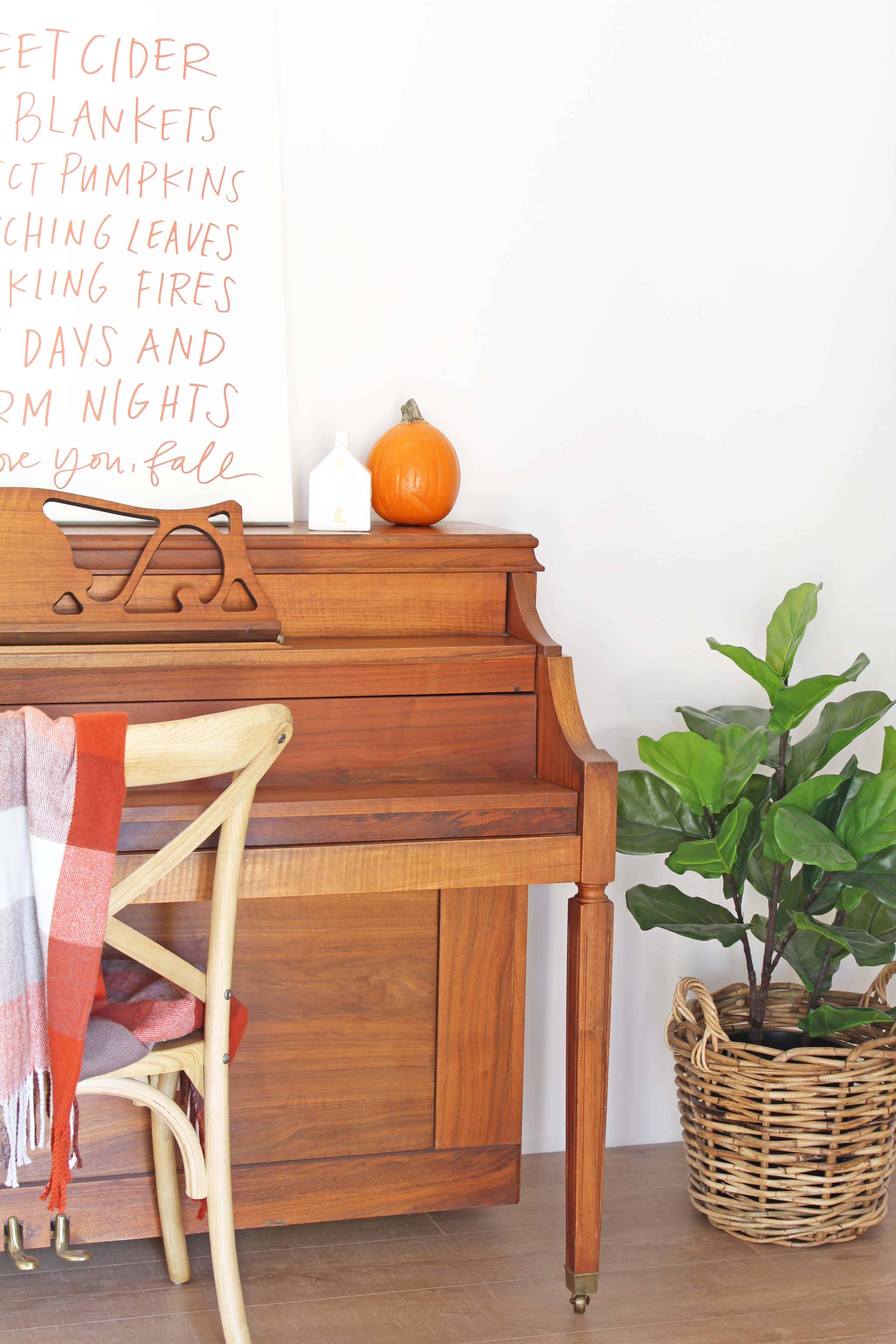 Fall entryway with lindsay letters word art